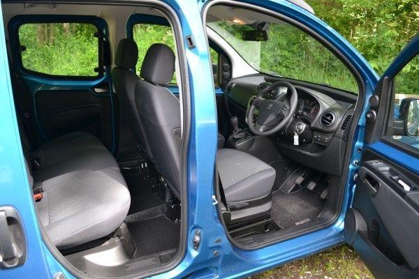 Peugeot Bipper doors
