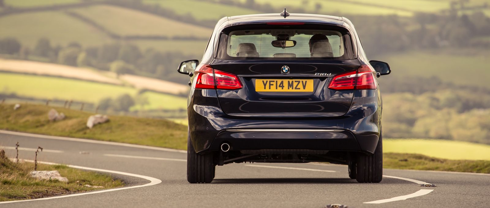 BMW Series Active Tourer Sizes And Dimensions Carwow - Bmw 2 series weight