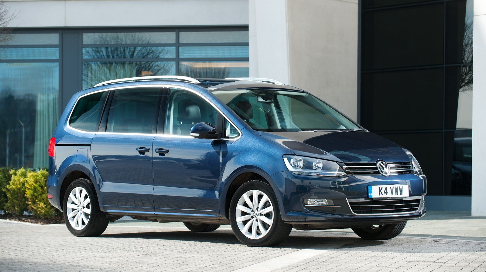 Best 7-Seater Cars Compared – 2015