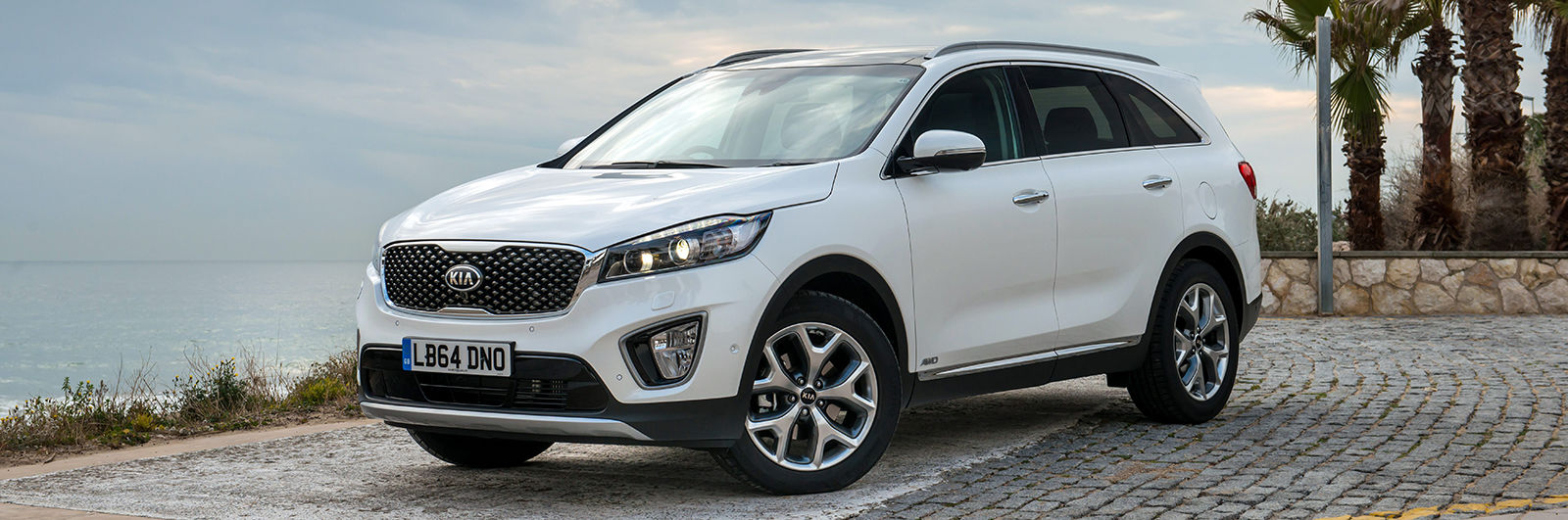 The Kia Sorento Is A Highly Capable Vehicle That Offers Upmarket Features  And Design, But At A Great Value Price. Equipment Levels Are High And It  Gets ...
