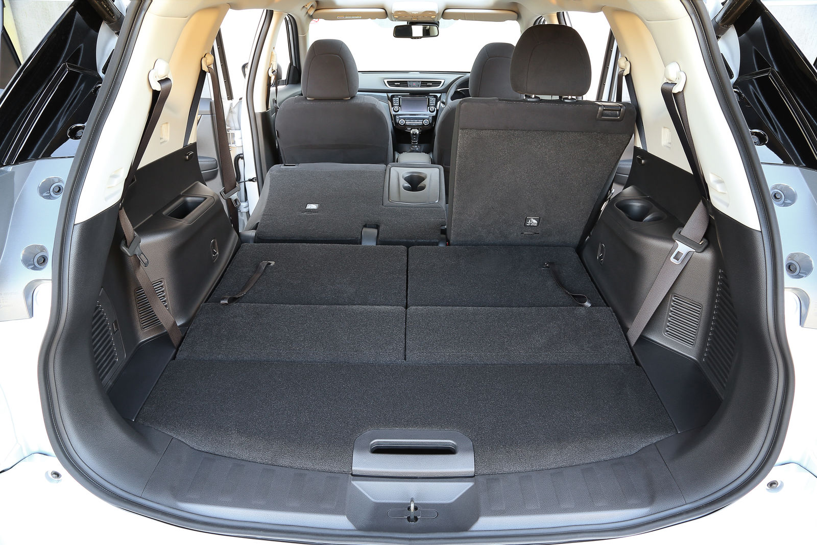 Nissan X-Trail sizes and dimensions guide | carwow