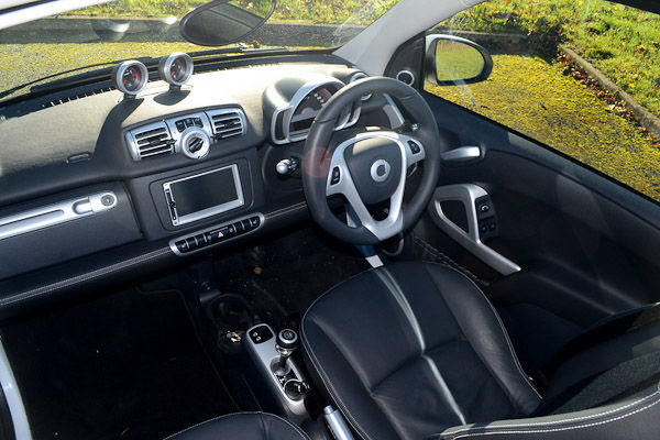 Smart Fortwo Cabrio 98 Brabus Xclusive - Review | carwow