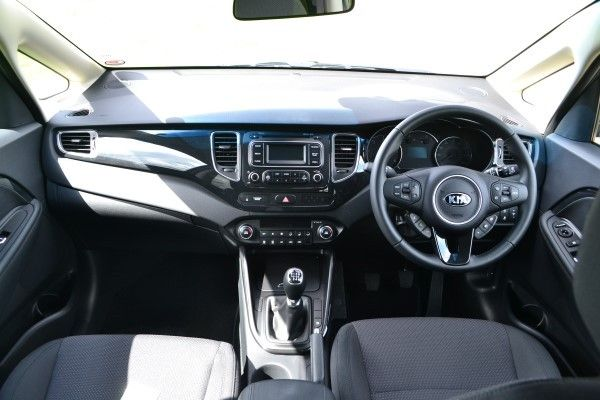 Kia Carens interior