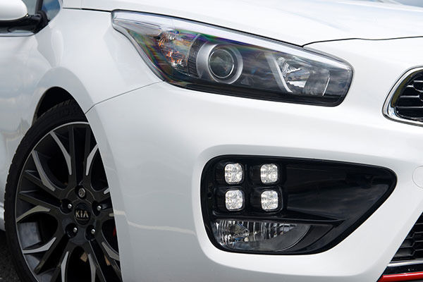 kia proceed closeup