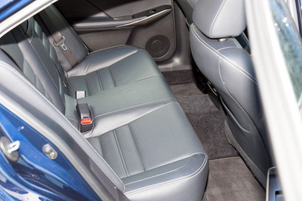 Lexus IS 300h rear seats