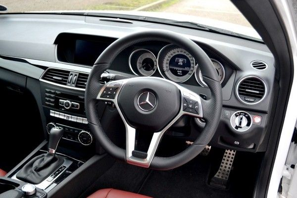 Mercedes-Benz C220 Coupe interior