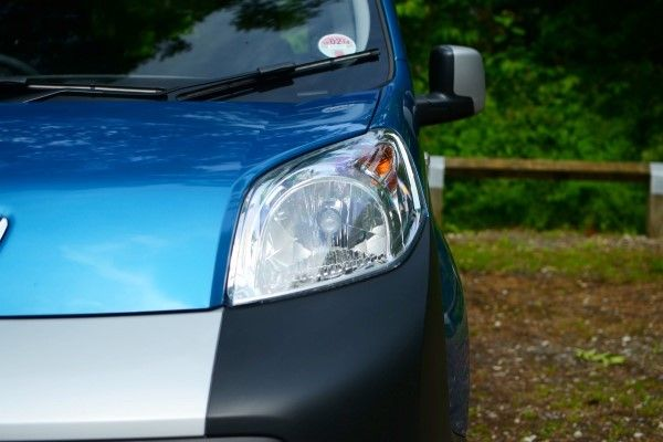 Peugeot Bipper headlight