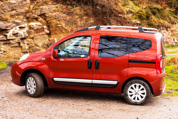 fiat qubo trekking carwow first drive carwow. Black Bedroom Furniture Sets. Home Design Ideas