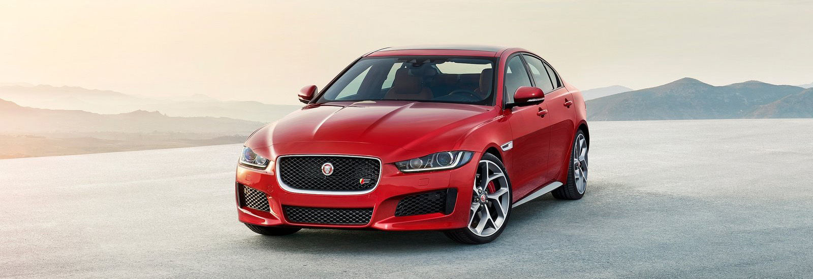 Jaguar Xe Uk Release Date >> Jaguar XE SVR price, specs and release date | carwow
