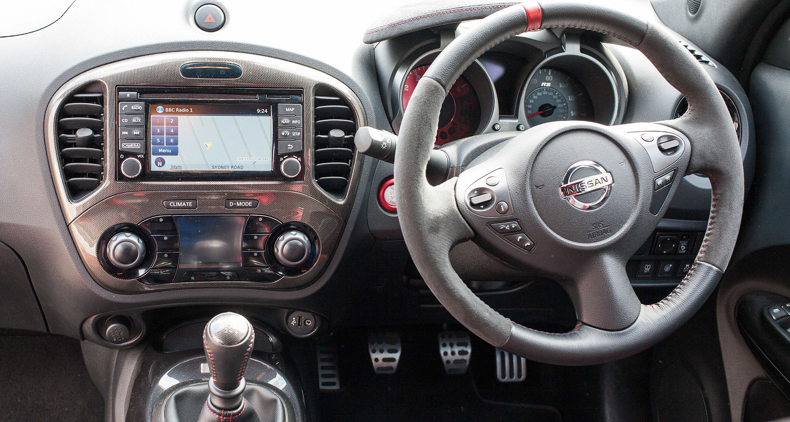nissan juke nismo interior. buyers who want a serious hot hatch should look elsewhere but if you car that doesnu0027t take itself too seriously and can put big grin on your face nissan juke nismo interior