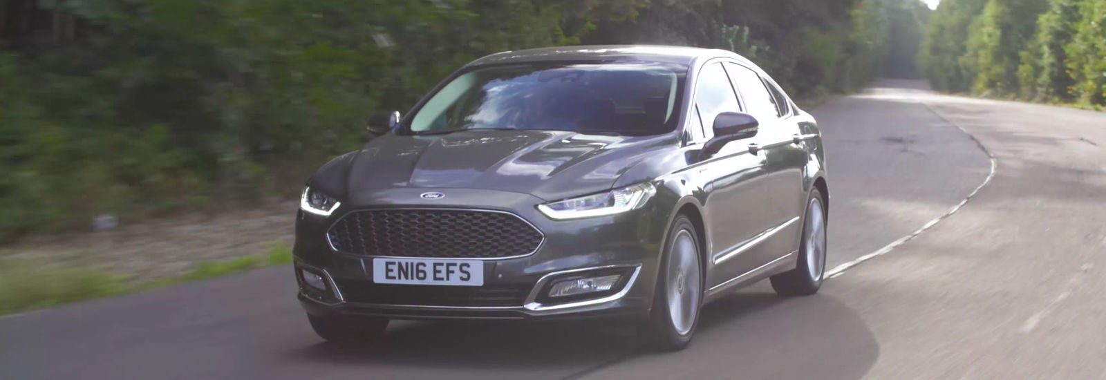 Ford Mondeo Vignale driving