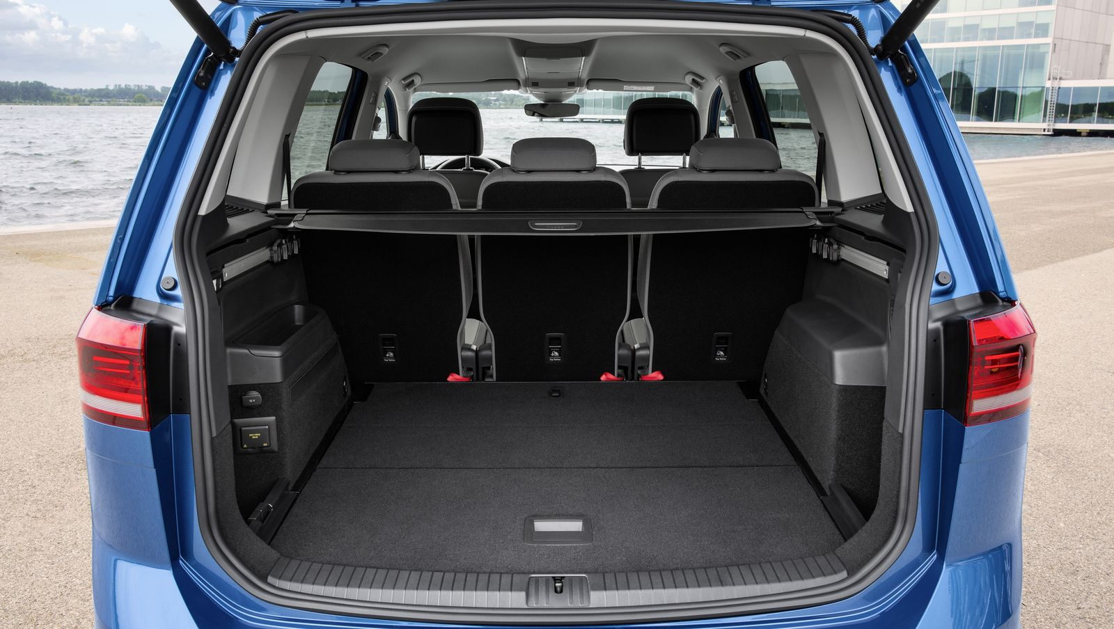 Volkswagen Touran Sizes And Dimensions Guide Carwow