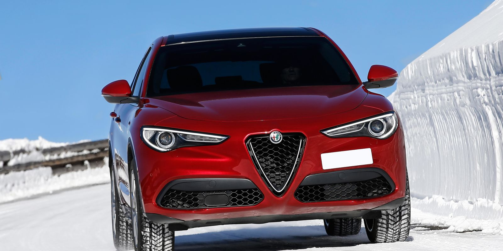 alfa romeo stelvio review carwow. Black Bedroom Furniture Sets. Home Design Ideas