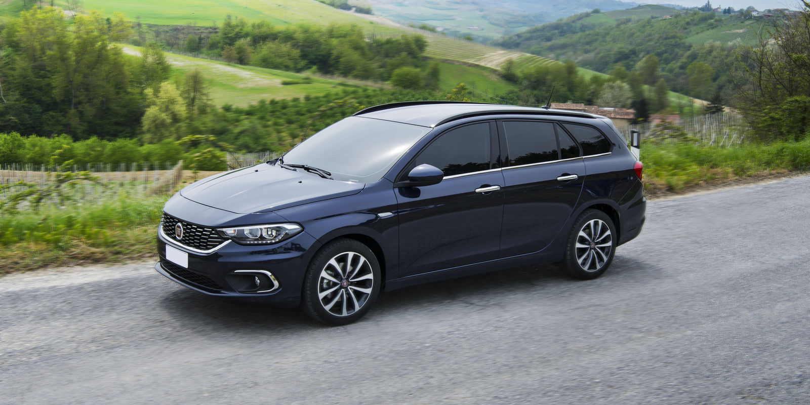 fiat tipo station wagon review carwow. Black Bedroom Furniture Sets. Home Design Ideas