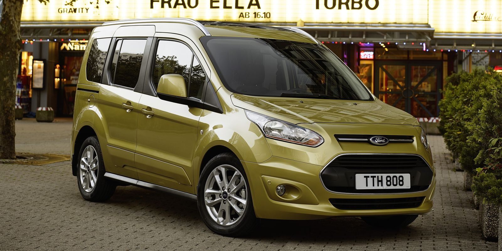 ford tourneo connect review carwow. Black Bedroom Furniture Sets. Home Design Ideas
