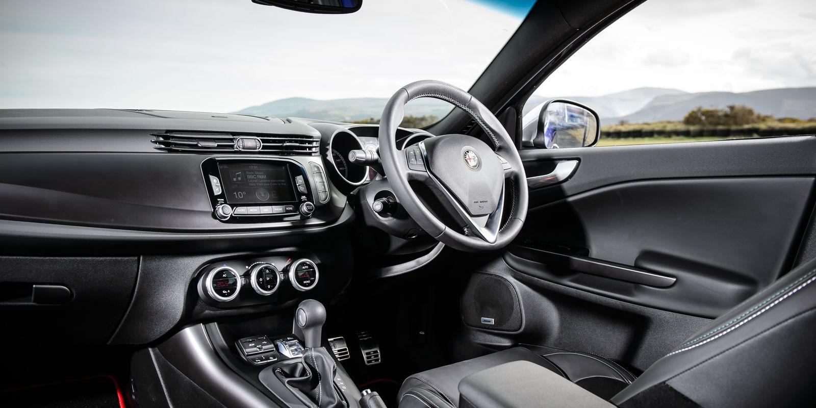 Alfa romeo giulietta qv 2010 review 11