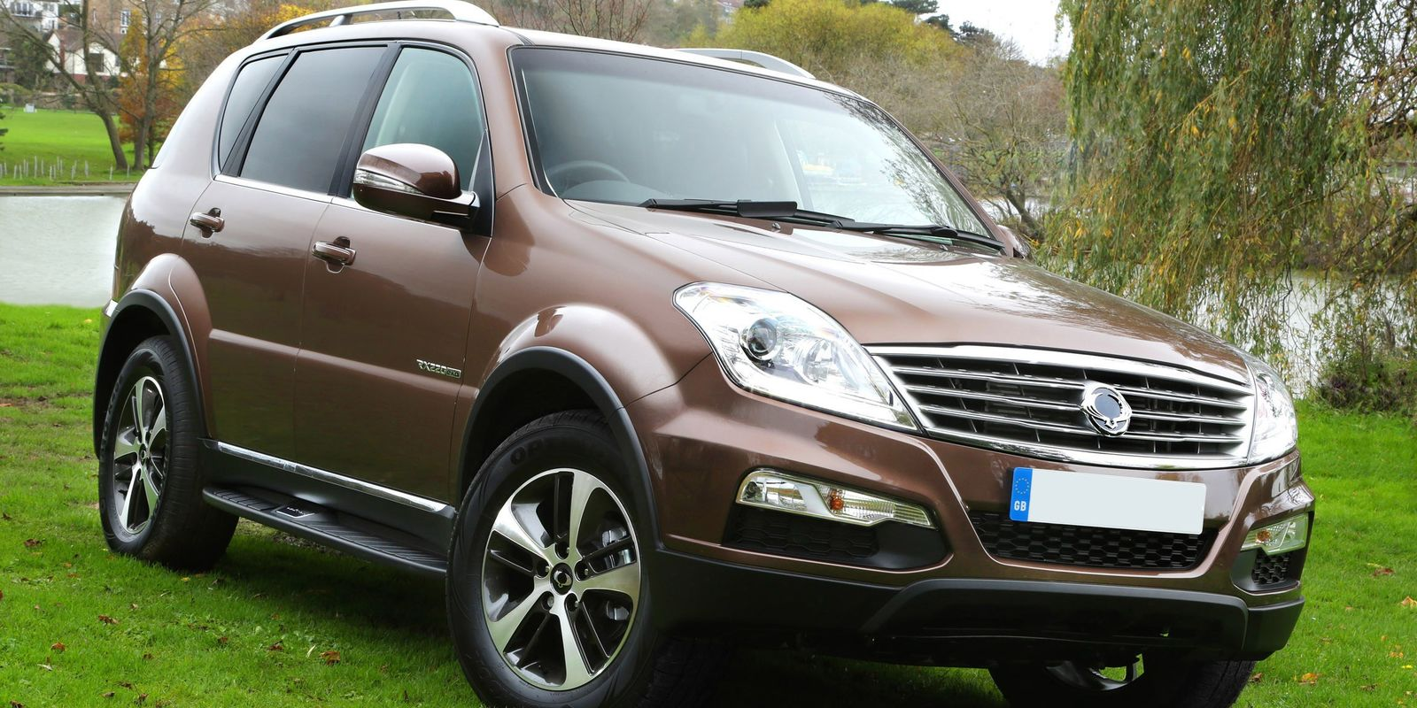 ssangyong rexton w review carwow. Black Bedroom Furniture Sets. Home Design Ideas
